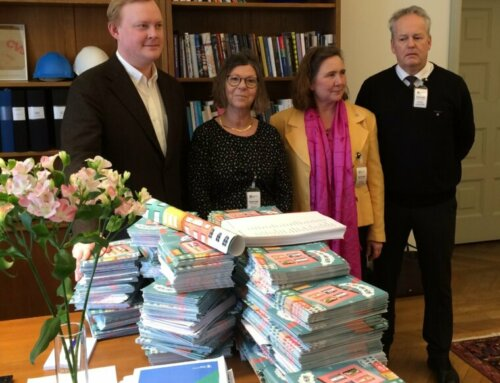 Tusentals skrev under mot ombildningar och utförsäljningar av allmännyttan